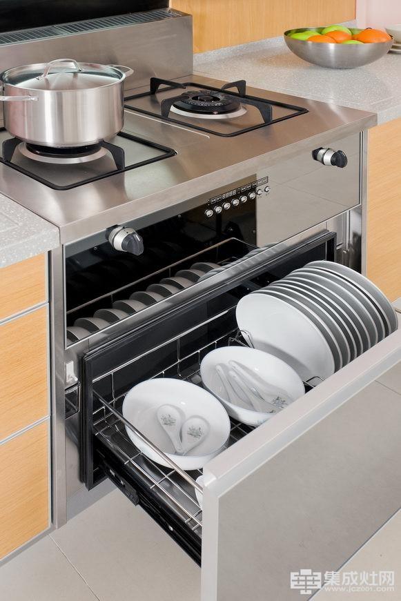 凯泽集成灶给妈妈一个干净健康的厨房