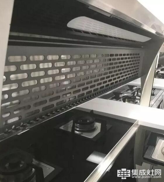 """欧家集成灶:《战狼2》8天票房破20亿""""星厨""""2天订单破200"""