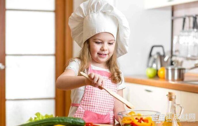 潮邦集成灶把厨房 变成孩子的游乐场