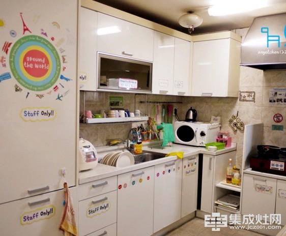 佰丽爱家:现代整体厨房比老式厨房好在哪里