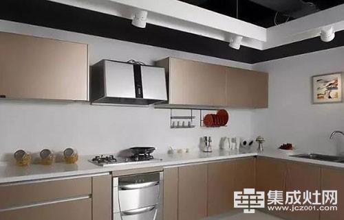 申斯达:为什么懂行的人都买石英石台面橱柜 而不是不锈钢橱柜