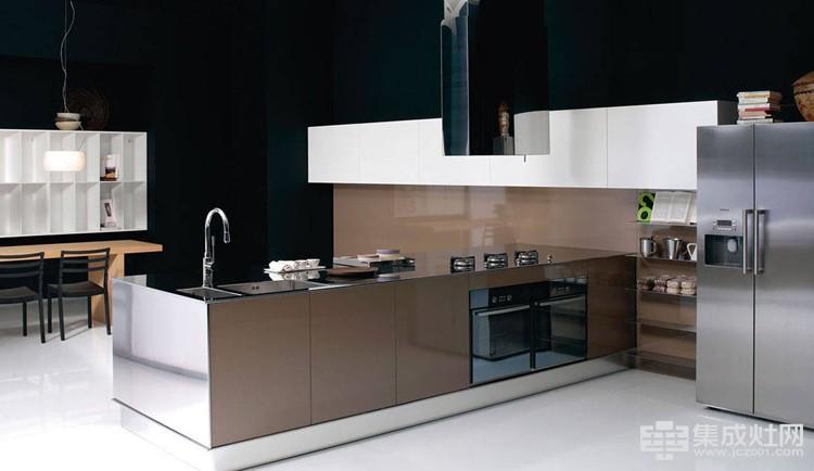 柏优橱柜:不锈钢台面整体橱柜定制搭配 秀出亮丽风景线