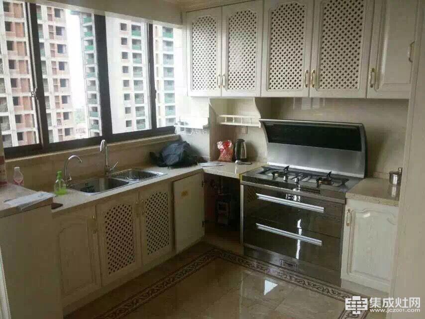 火星一号集成灶:厨房装修 要不要选择集成灶
