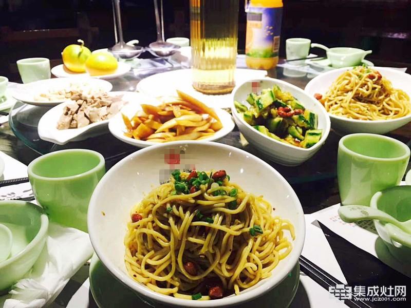 金帝集成灶:唯有保持健康饮食 才能做一枚长久又快乐的吃货
