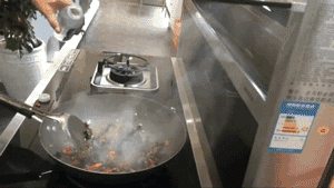 厨房等于孤独 森歌集成灶开放式厨房告诉你不存在的