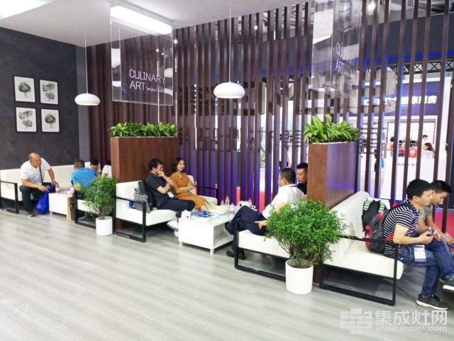森歌集成灶黑科技强势集结 颠覆传统实力领秀上海展