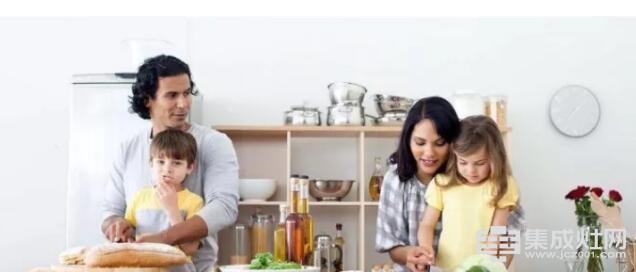 厨房与爱的故事 让欧板集成灶讲给你听