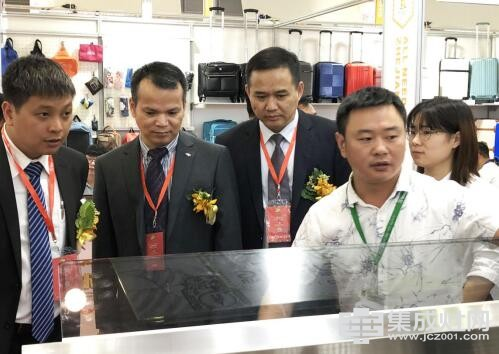 森歌集成灶亮相浙江出口商品(越南)交易会