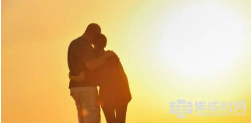 欧板集成灶:爱情怎么能被油烟阻碍