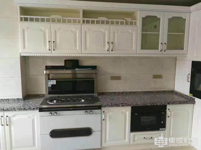 德西曼集成灶:我想要一间超棒的厨房 然后做东西给你吃