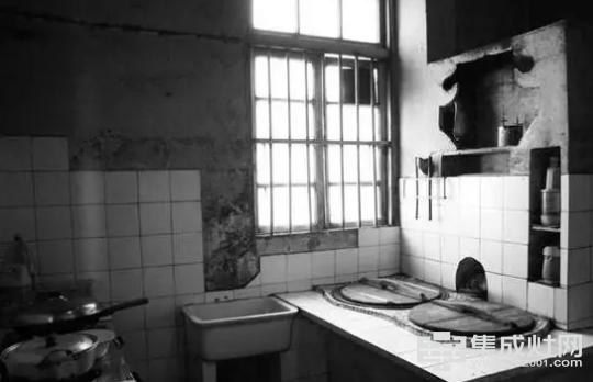 上世纪末期典型的厨房