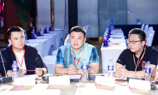 板川安全集成灶代表厨电行业出席2019第三届中国家居品牌大会 J20中国家居领袖圆桌峰会