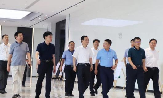 培恩集成灶:领导视察 长丰县委书记许华一行莅临我司指导工作