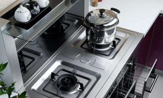 集成灶凭实力上位 挽救被油烟侵害的厨房