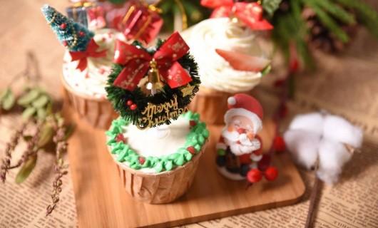 德普凯信集成灶美食 圣诞杯子蛋糕