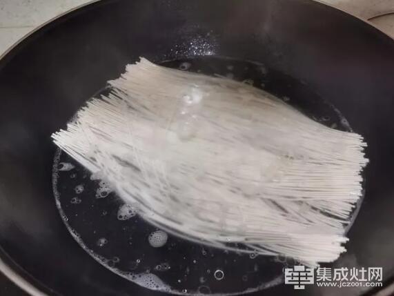 博乐米集成灶:二月二龙抬头 龙须面吃出一年好兆头