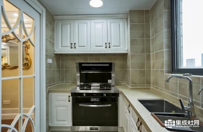 德普凯信集成灶:厨房卫生难清洁 看完才后悔知道的这么晚
