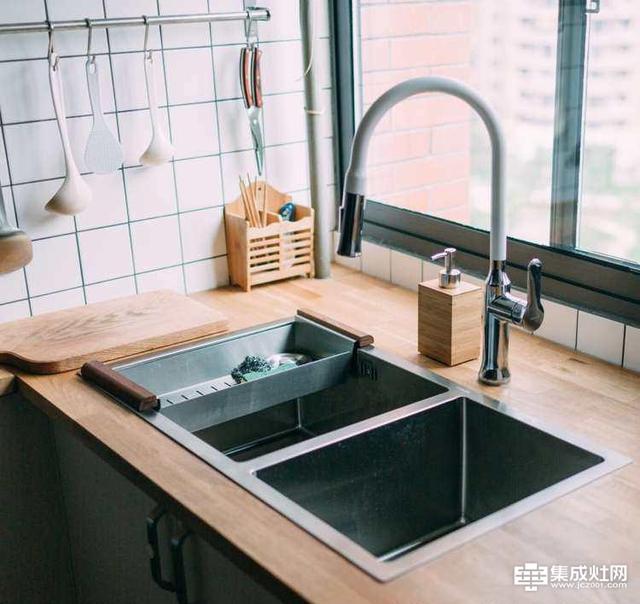 普迪奥:厨房台面材料如何挑选 这篇文章来帮助你选择